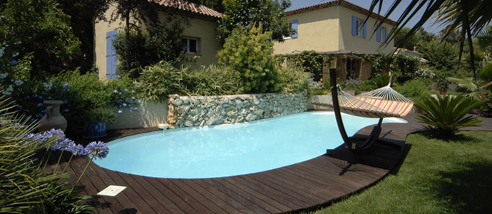 Mod les de piscine bordeaux fond plat fond inclin for Modele piscine