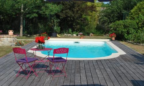 Nos piscines coque en polyester réalisées et posées en Gironde