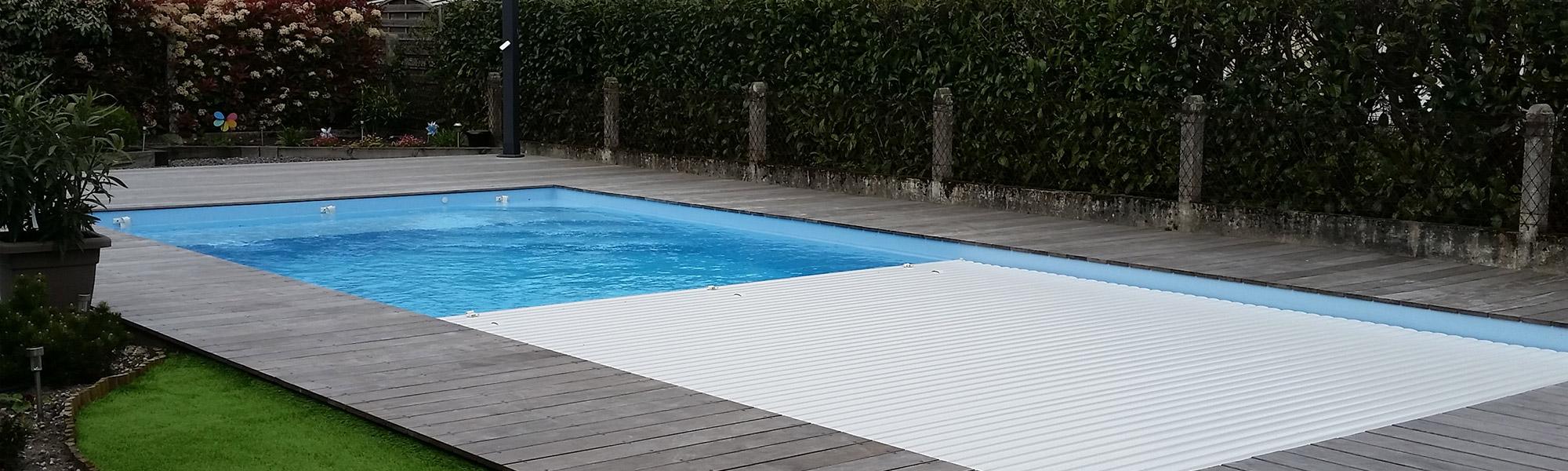 Piscine coque bordeaux d couvrez nos coques piscine en for Piscine en polyester